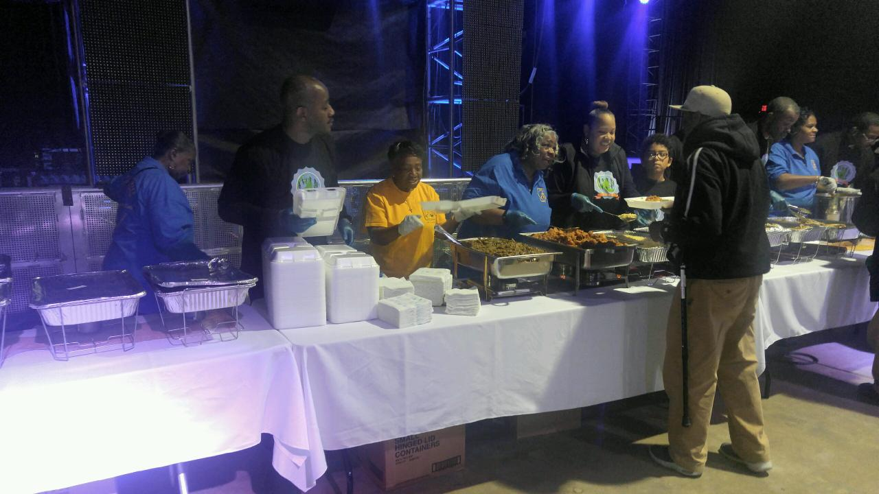 Ladies at St. Martin of Tours Feed Homeless